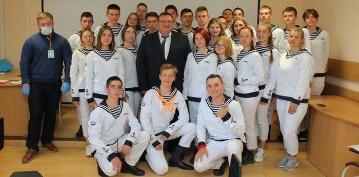 Руководитель Росфинмониторинга по ЮФО Герман Шатский провел открытый урок «Финансовая безопасность»