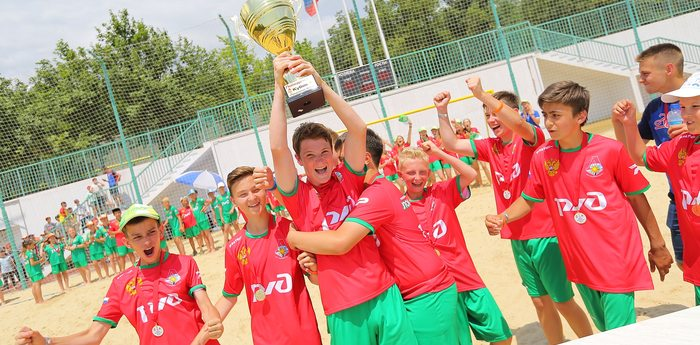 В «Артеке» прошел первый чемпионат по пляжному футболу