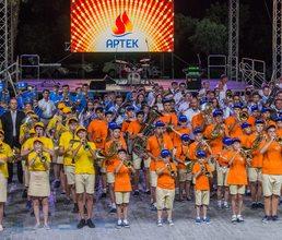 В «Артеке» в сводном оркестре сыграли 600 духовиков со всей России