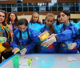 Город мастеров объединил детей и гостей «АртекФорума» со всей страны