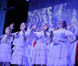 Артековцы подарили новогодние песни друг другу