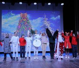 Артековцы лагеря «Янтарный» представили театральные премьеры