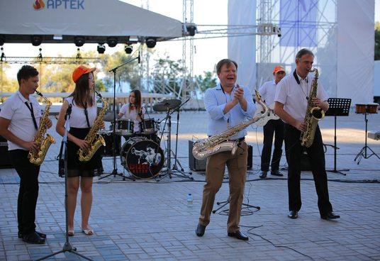 Артековцы впервые сыграли джаз с Игорем Бутманом