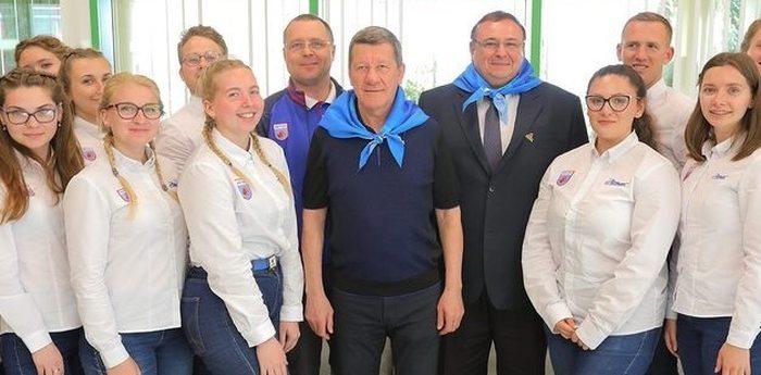 Заместитель полномочного представителя Президента РФ в ЮФО Владимир Гурба провел встречу с вожатыми «Артека»