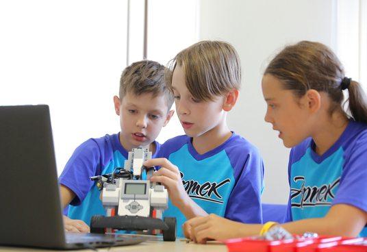 Обновленная студия робототехники в «Артеке» ждет юных конструкторов