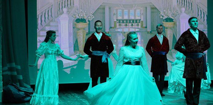 Вожатые «Кипарисного» представили премьеру спектакля «Бахчисарайский фонтан»