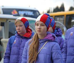 Артековцы познакомились с автобазой детского центра