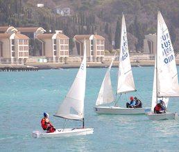 Юные яхтсмены  «Артека» учатся управлять собой и волной