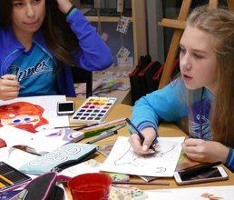 Юные художники иллюстрируют Книгу «Артека»