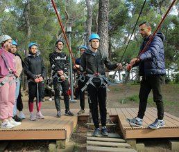 Юные знатоки литературы осваивают спортивный туризм в «Артеке»