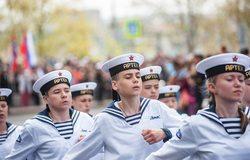 Артековцы на Сапун-горе и на параде в Севастополе
